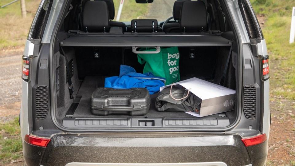 2020 Land Rover Discovery Landmark SDV6 review-1