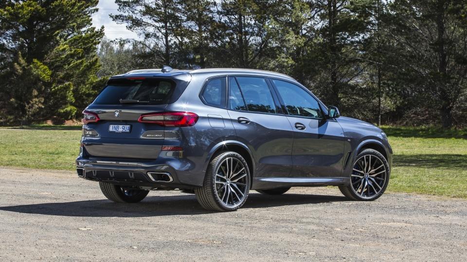 2020 best large luxury suv bmw x5 exterior rear
