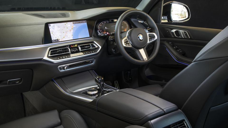 2020 best large luxury suv bmw x5 interior