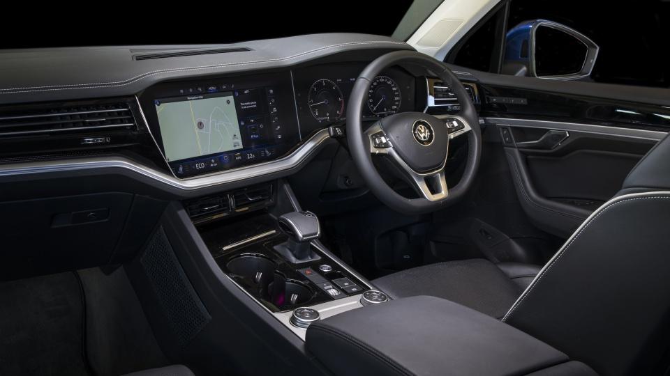 2020 best large luxury suv volkswagen touraeg interior