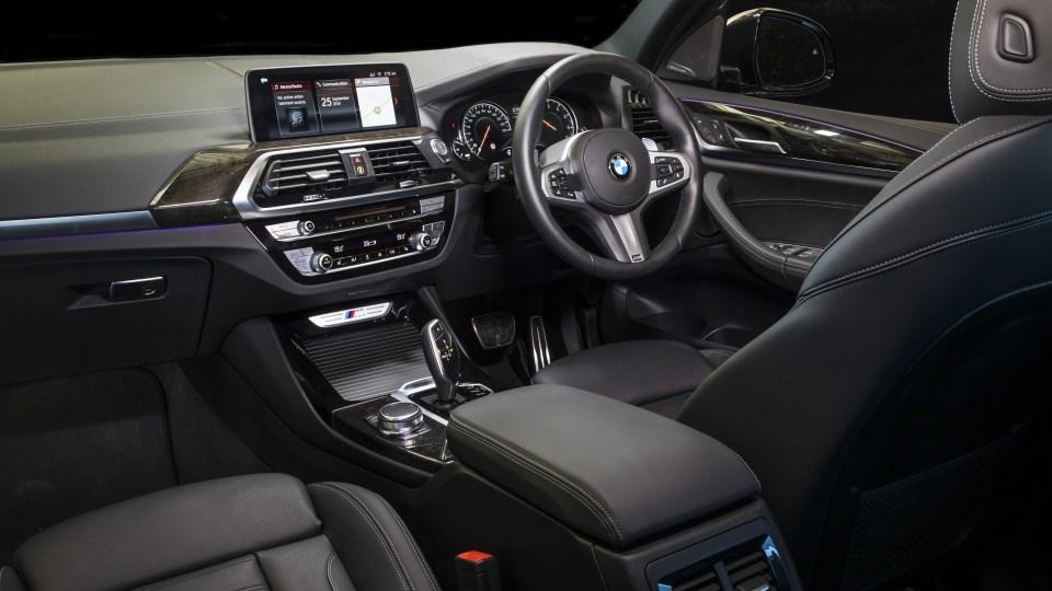 2020 best medium luxury suv bmw X3 interior