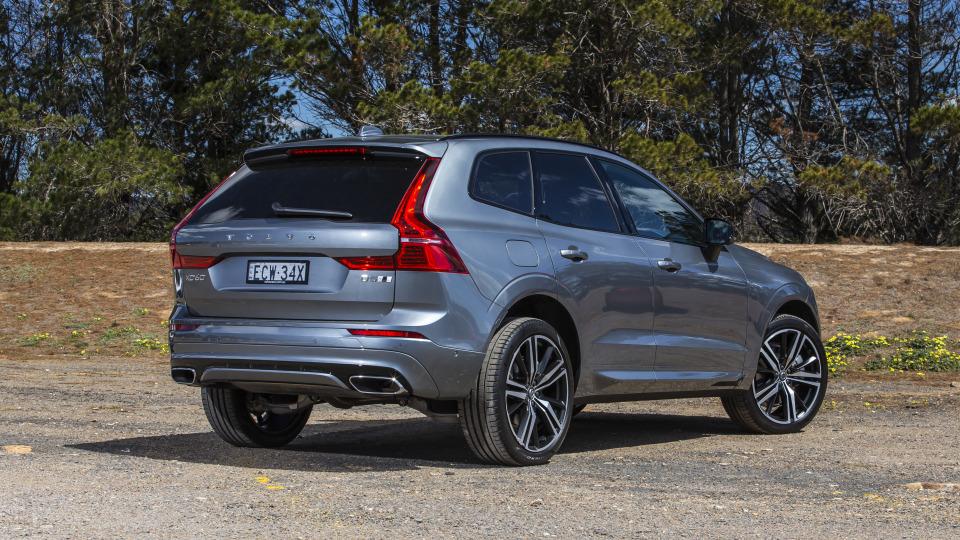 2020 best medium luxury suv volvo xc60 exterior rear