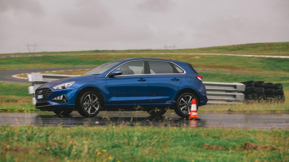 2021 best small car finalist hyundai i30 exterior road test
