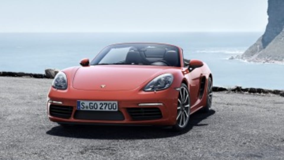 2016 Porsche Boxster revealed