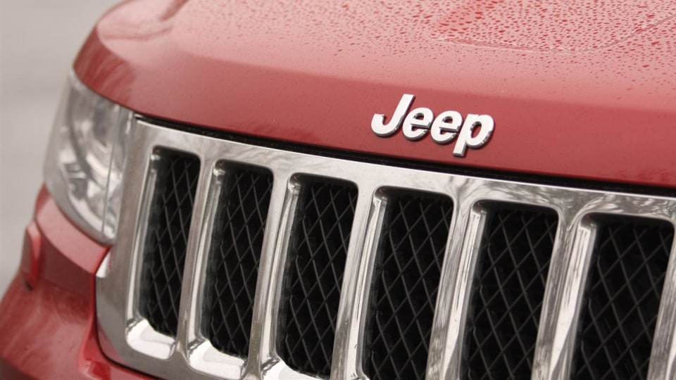 2011_jeep_grand_cherokee_overland_v8_review_25