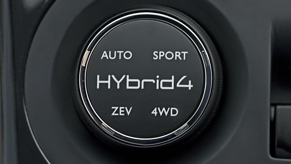 peugeot_3008_hybrid4_6