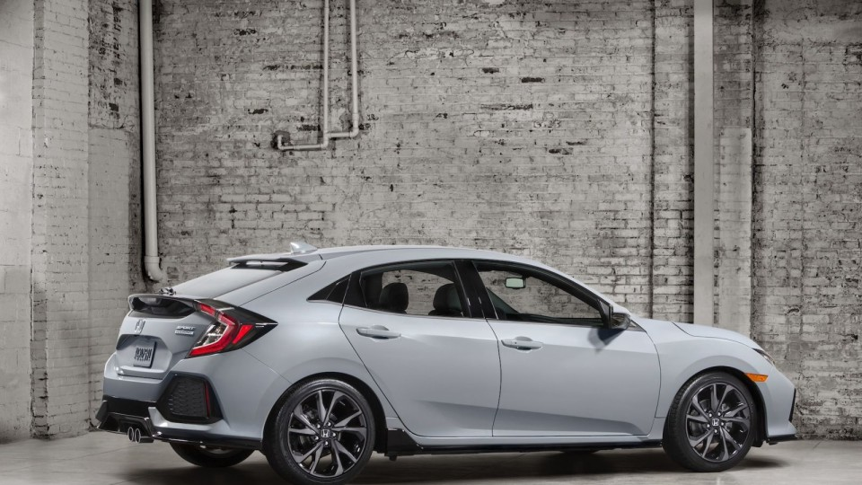 2017 Honda Civic Hatch Officially Revealed In First Preview Image