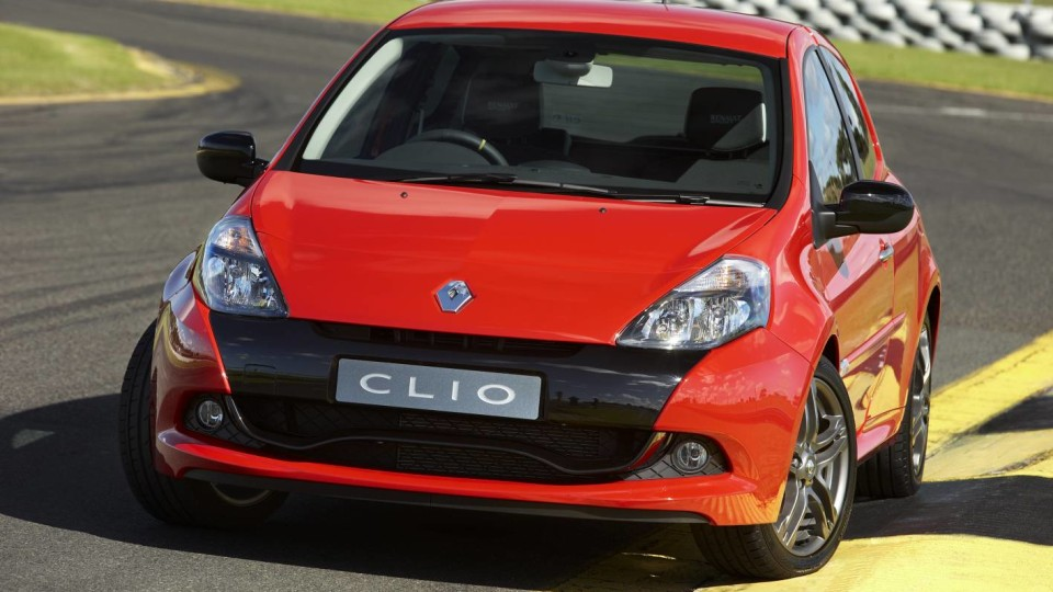 2010_renault_clio_renault_sport_200_cup_road_test_review_press_images_03