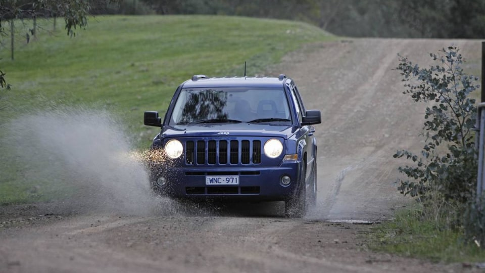 2010_jeep_patriot_first-drive-review_07.jpg