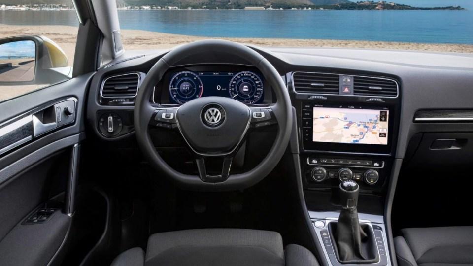 2017 Volkswagen Golf.