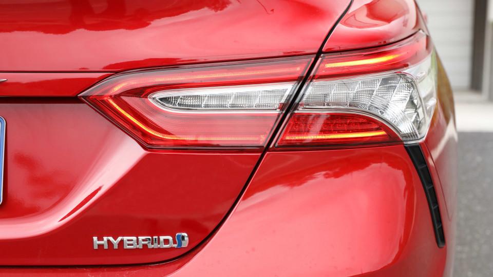2020 Toyota Camry SL hybrid review-4