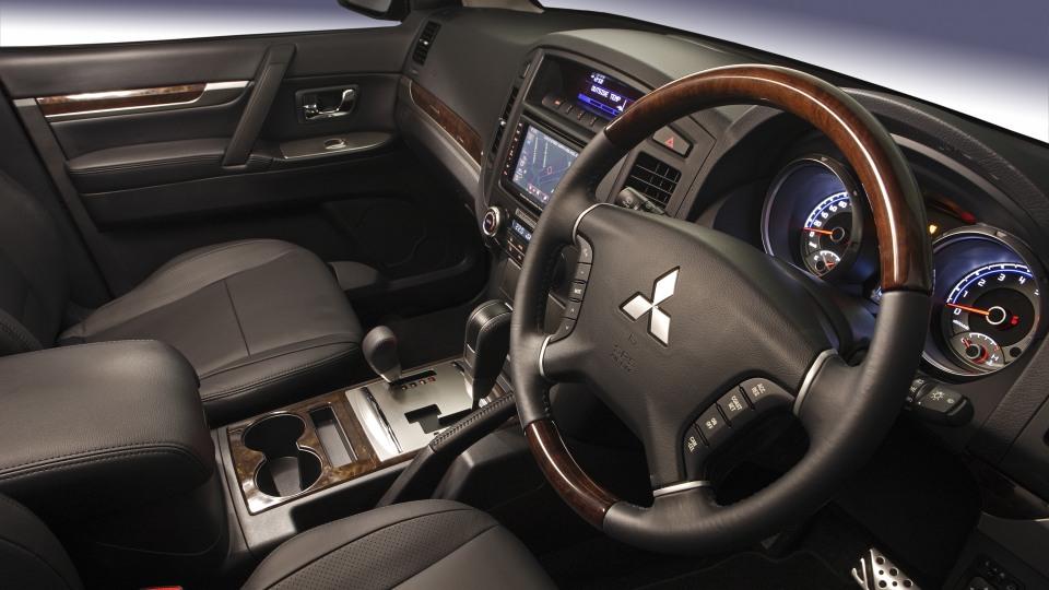 2010 Mitsubishi Pajero Exceed.