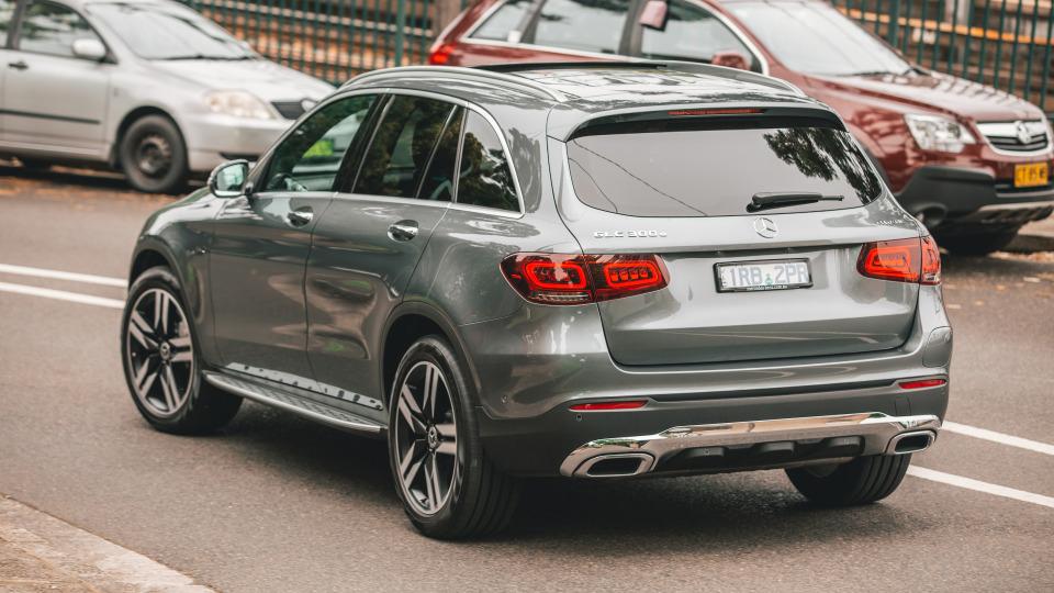 2020 Mercedes-Benz GLC300e PHEV review-1