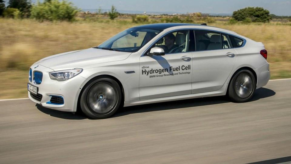 BMW Demonstrates Future Hydrogen Tech, Begins Road Testing