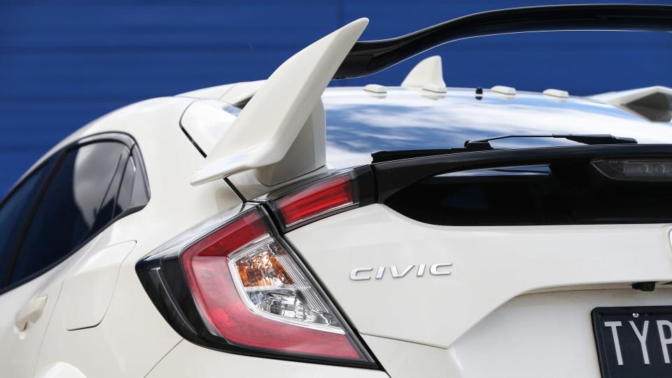 2019 Honda Civic Type R review-1