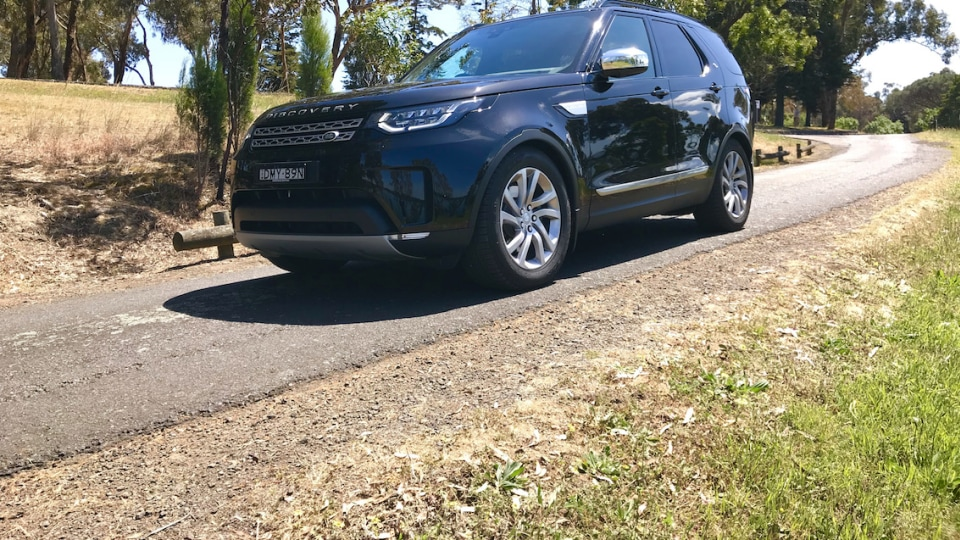 2017 Land Rover Discovery TD6 HSE Review | Luxury The Whole Family Can Enjoy