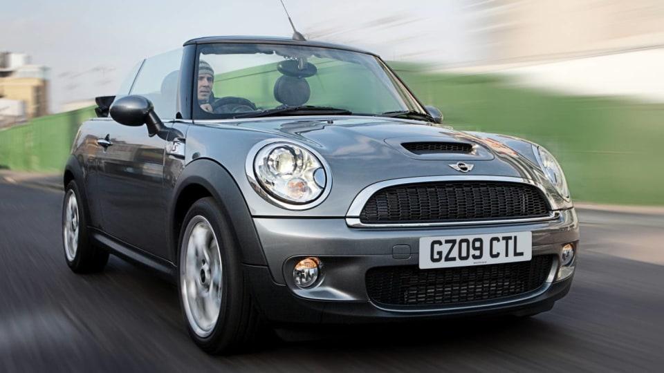 2009-mini-cooper-s-cabrio-001.jpg