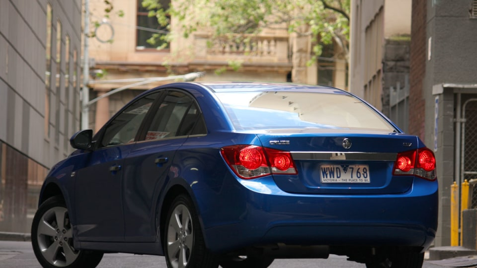 2009_holden-cruze_cdx_and-cruze-cd-diesel_road-test-review_017.jpg