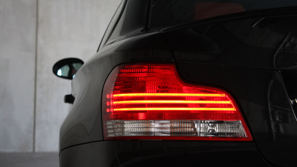 2010_bmw_135i_road_test_review_26