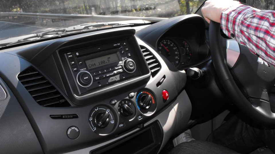 2010_mitsubishi_mn_triton_glx-r_and_gl-r_first-drive-review_13.jpg