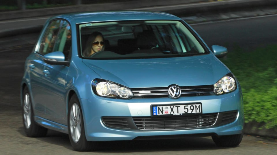 2011_volkswagen_golf_bluemotion_australin_debut_01