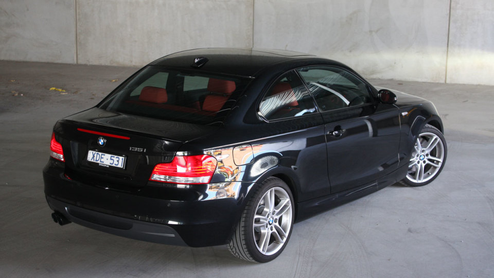 2010_bmw_135i_road_test_review_24