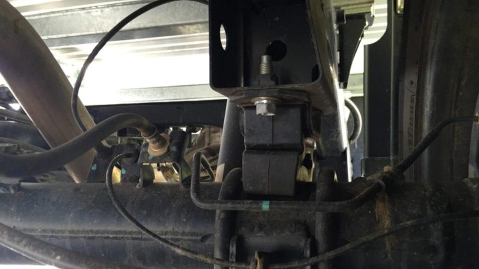 Nissan Navara RX 4x4 suspension.