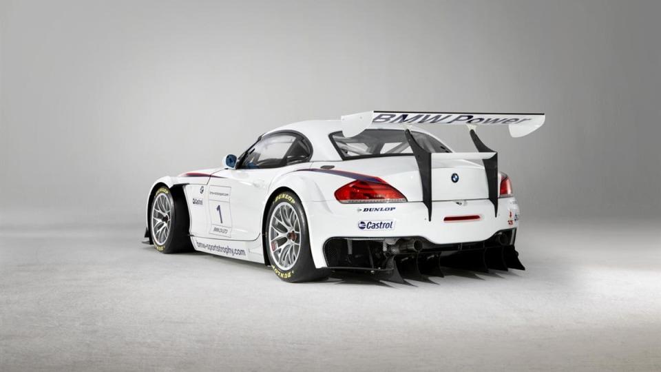 2010_bmw_z4_gt3_race_car_01
