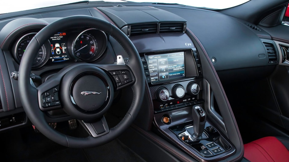 2014_jaguar_f_type_r_coupe_overseas_review_25