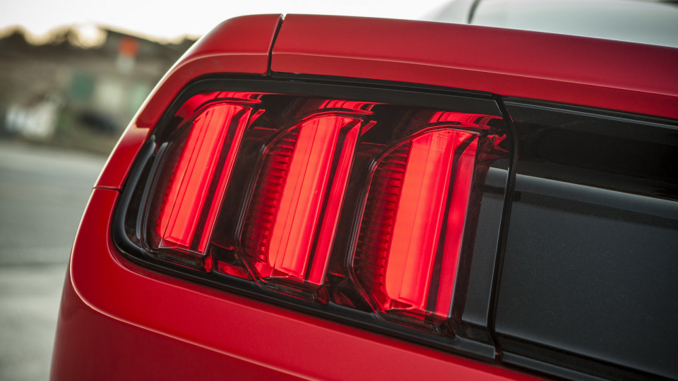 2014_ford_mustang_overseas_28