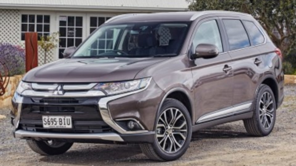 Updated Mitsubishi Outlander revealed