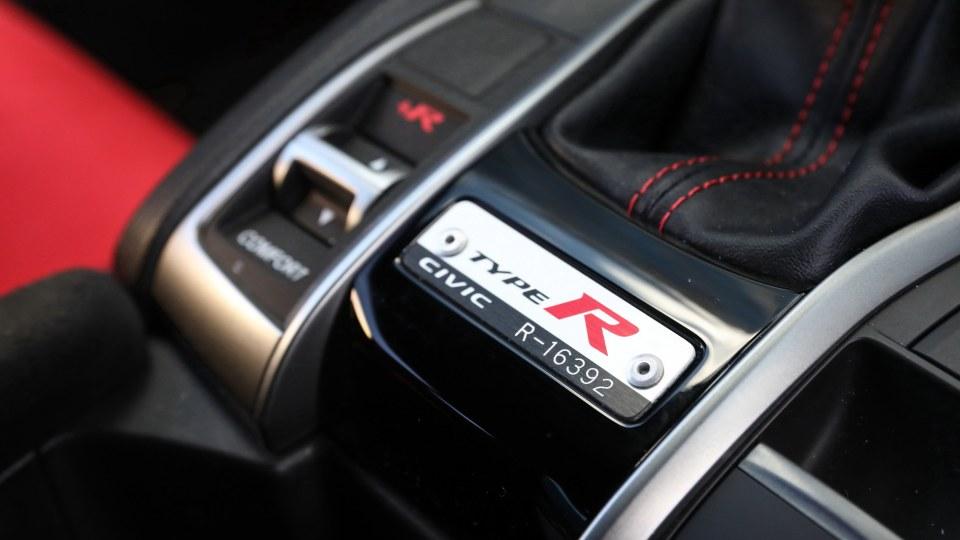 2019 Honda Civic Type R review-4