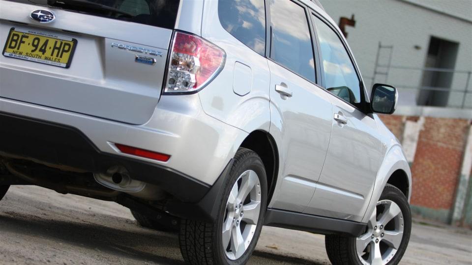 2010_subaru_forester_diesel_road_test_review_07