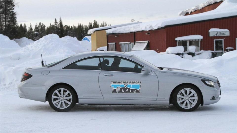 2011_mercedes_benz_s_class_coupe_facelift_spy_shots_12
