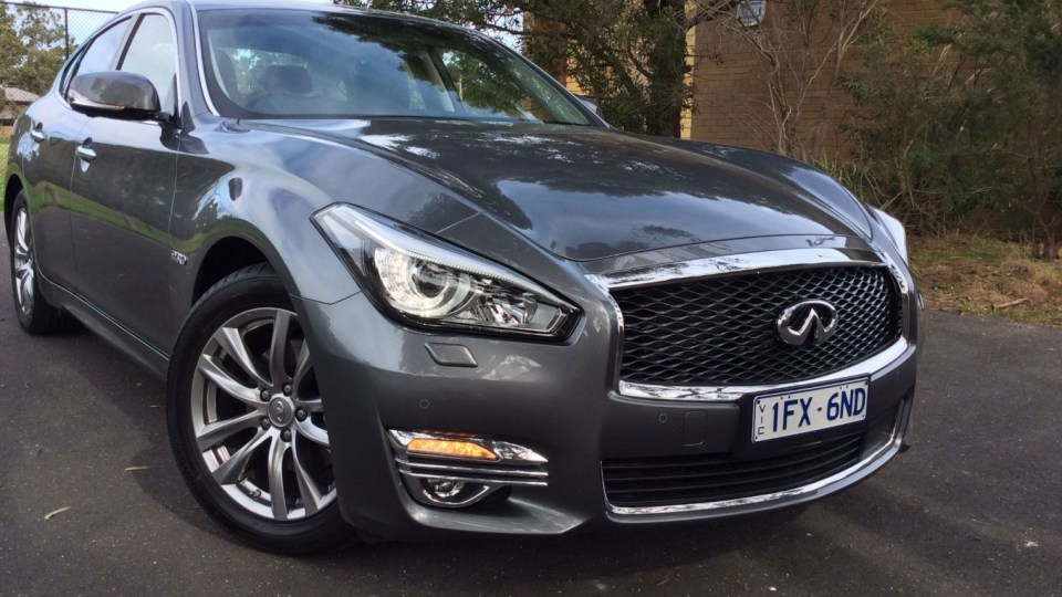 2016 Infiniti Q70 3.5 Hybrid REVIEW   Fast, Frugal, But Not 'Unanimously' Handsome