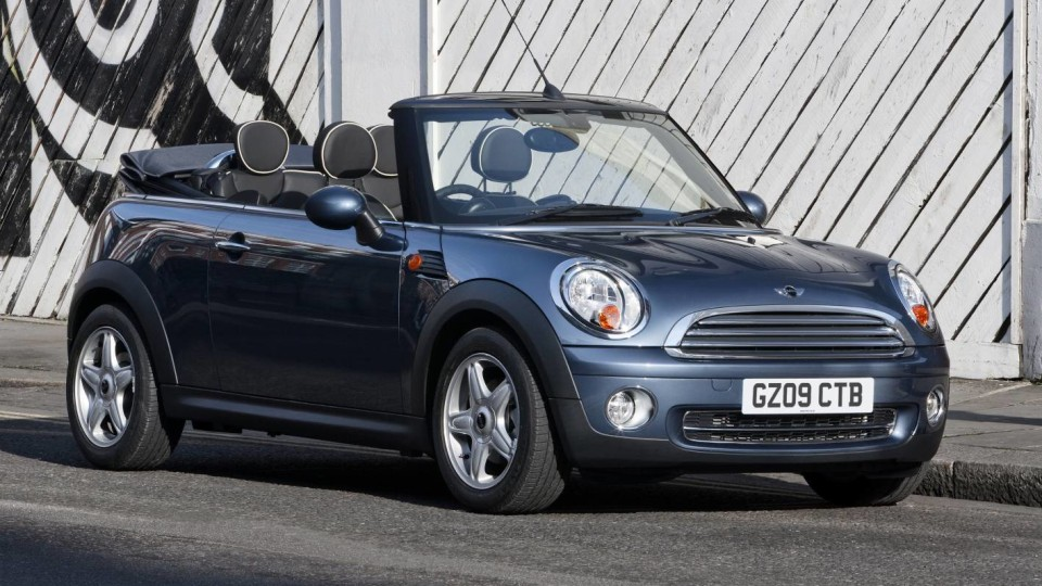 2009-mini-cooper-s-cabrio-004.jpg