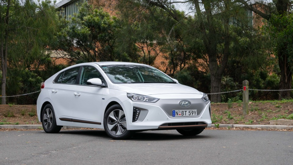 Hyundai Ioniq Electric Premium 2019 new car review