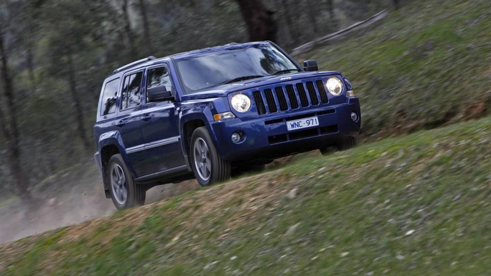 2010_jeep_patriot_first-drive-review_09.jpg