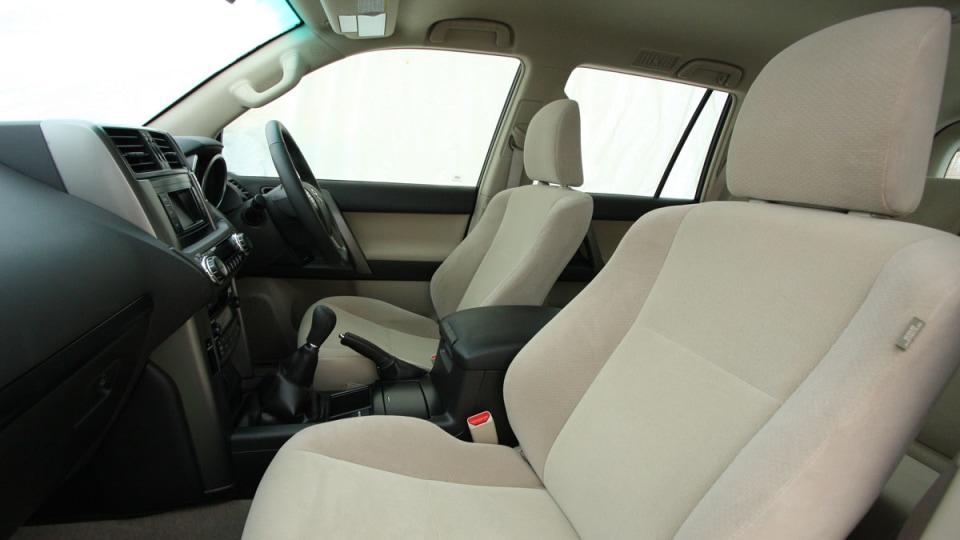 2010_toyota_prado_gxl_roadtest_review_interior_014