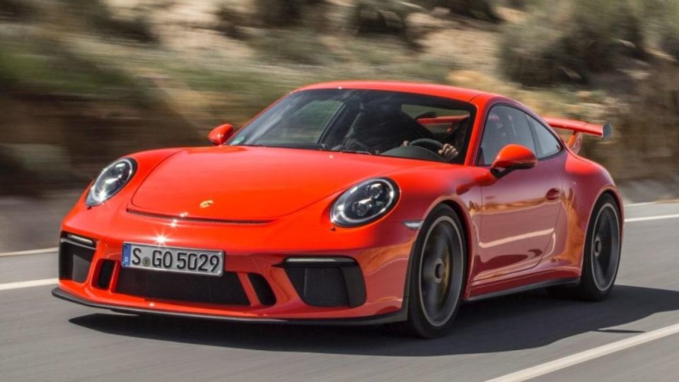 2017 Porsche 911 GT3.