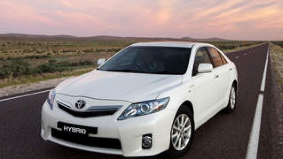 2010 Toyota Hybrid Camry Luxury.