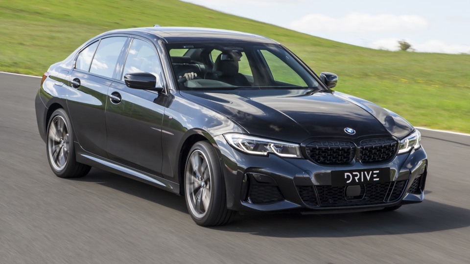 Drive Car of the Year Best Medium Luxury Car 2021 finalist BMW 3 Series exterior right side front view