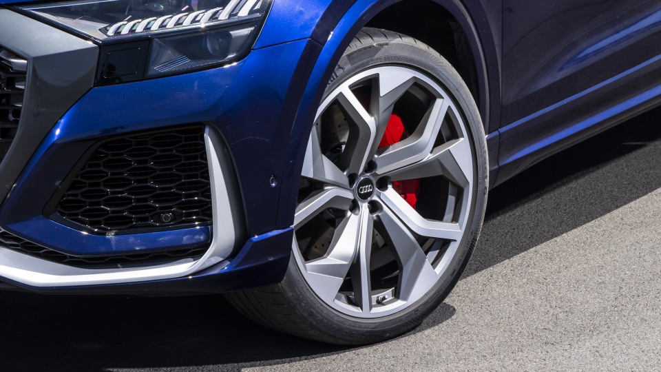Drive Car of the Year Sports Performance SUV 2021 finalist Audi RSQ8 front left wheel close-up.