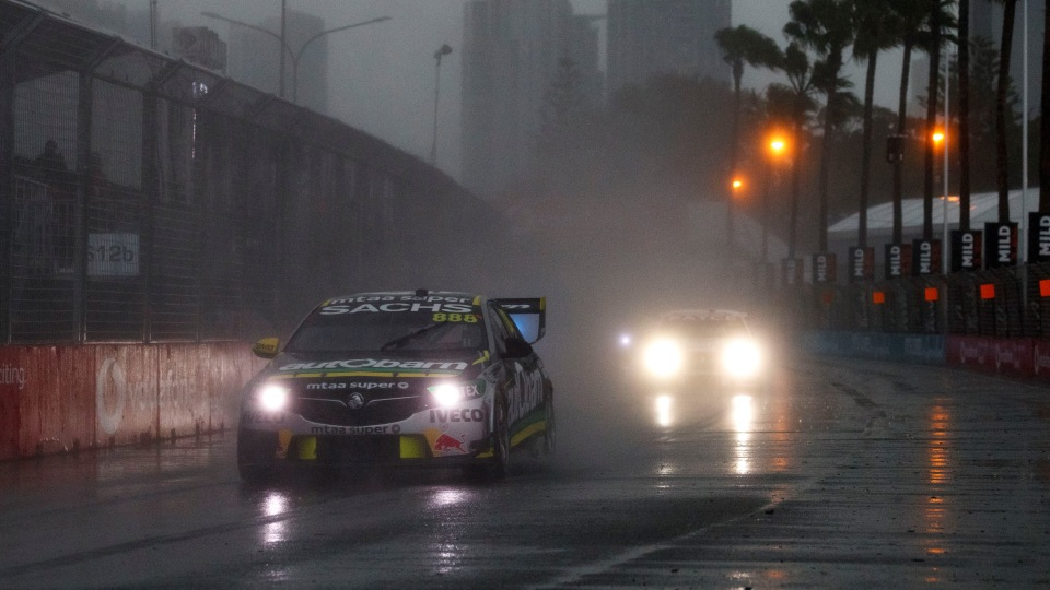 Motorsport: Gold Coast chaos tightens Supercars title race