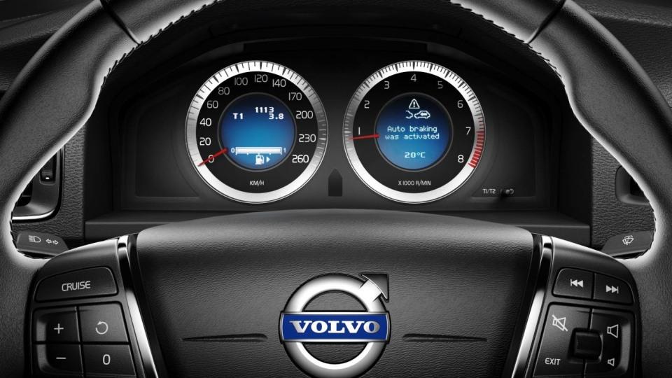 2011_volvo_v60_z_safety_05