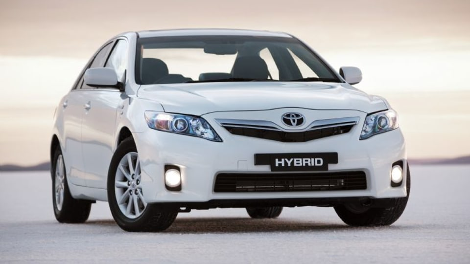 2010 Toyota Hybrid Camry Awarded 5-Star Green Vehicle Guide Rating