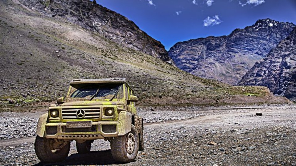 Mercedes-Benz G500 4x4² revealed
