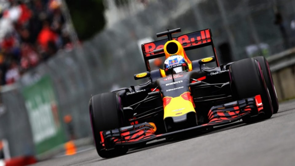 Ricciardo believes he is in the best form of his career and Red Bull and Renault are improving too.