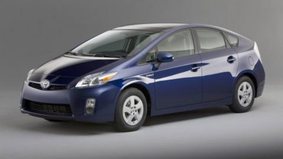 Toyota To Produce Cheaper Hybrid To Target The Honda Insight