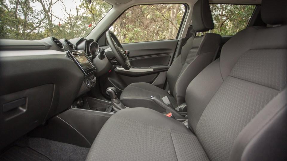 2020 Suzuki Swift Series II GL Navigator Plus review-3